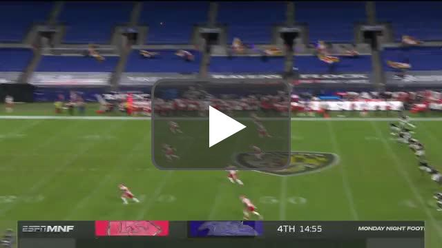 Sideline worker at MNF in Baltimore catches long 4th-quarter kickoff on the run.