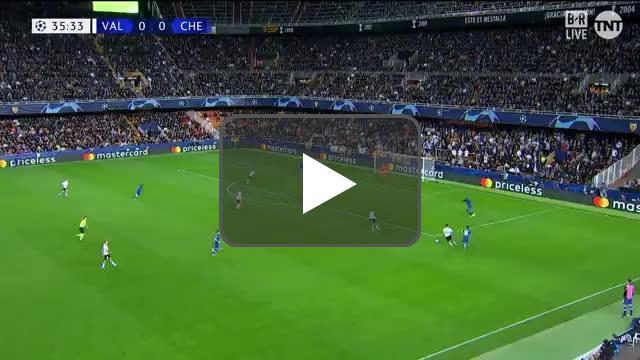 Kepa almost makes a costly mistake vs Valencia