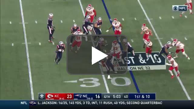[Highlight] James White completes his first career pass to Jakobi Meyers for a big gain